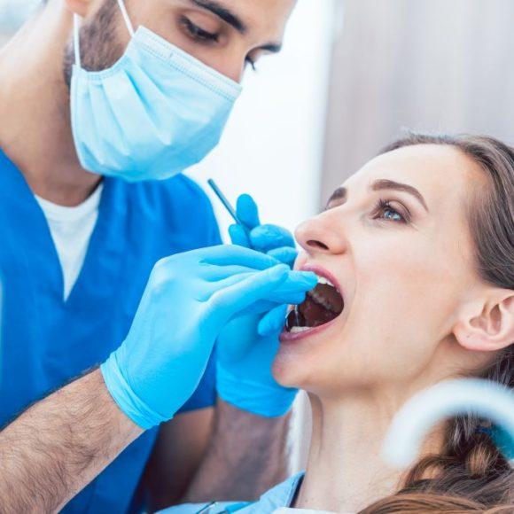 Лечение зубов в счастливое время